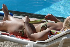 Voyeur-Spying-Tourist-Blonde-Teen-Swimming-Pool-77agx1k6pm.jpg